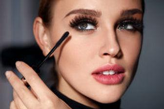 stock-photo-mascara-closeup-of-beautiful