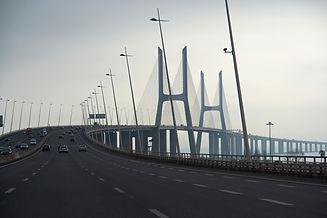 vasco-da-gama-bridge-2277000_1920.jpg