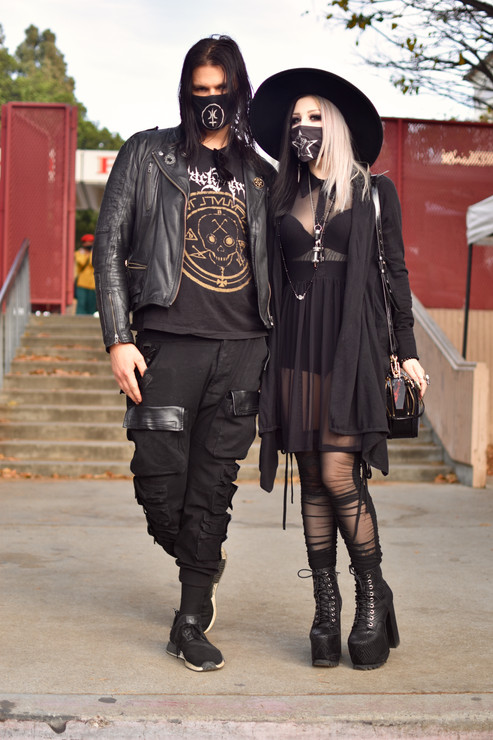 Goth couple.jpg
