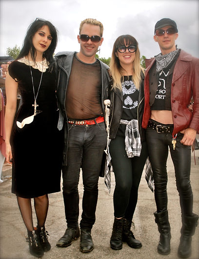 Street Style L.A. Goths.