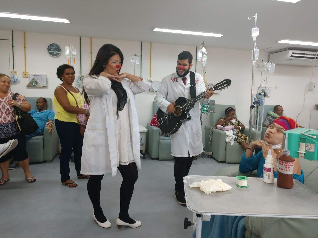 Dra. Chuchu e Dr. Apô no HCP