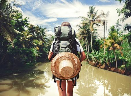 Buku bagi para petualang yang sedang tak bisa bertualang