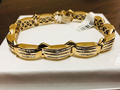 Exquisite 10kt Cluster Style Tennis Bracelet