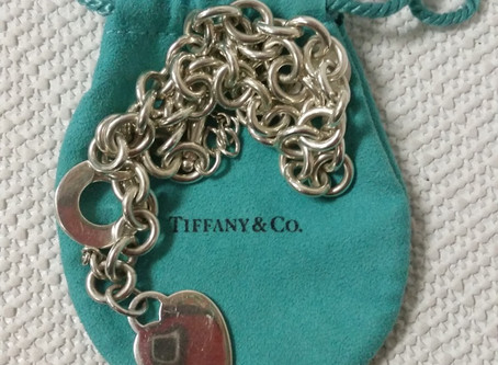 Can I Pawn Vintage Jewelry?