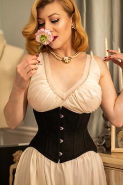 glamorous corset 6.jpg