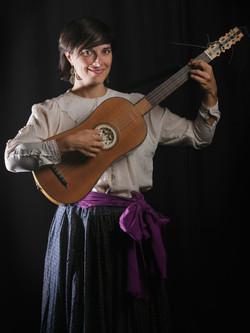 Belisana Ruiz - Tiorba y guitarra