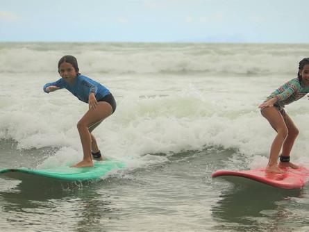 Aulas de surf para crianças