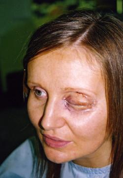 Geletine Eye make up