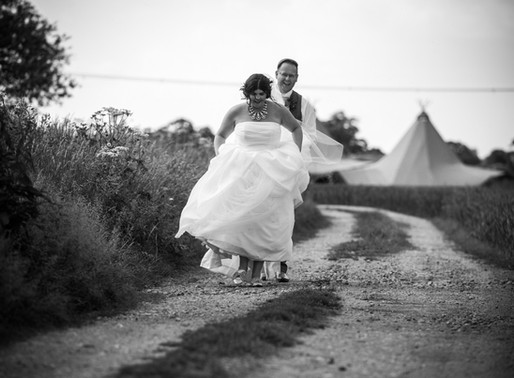 Derbyshire Tipi Wedding Photography | Fabienne & Chris
