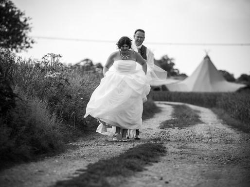Derbyshire Tipi Wedding Photography | Fabienne & Chris