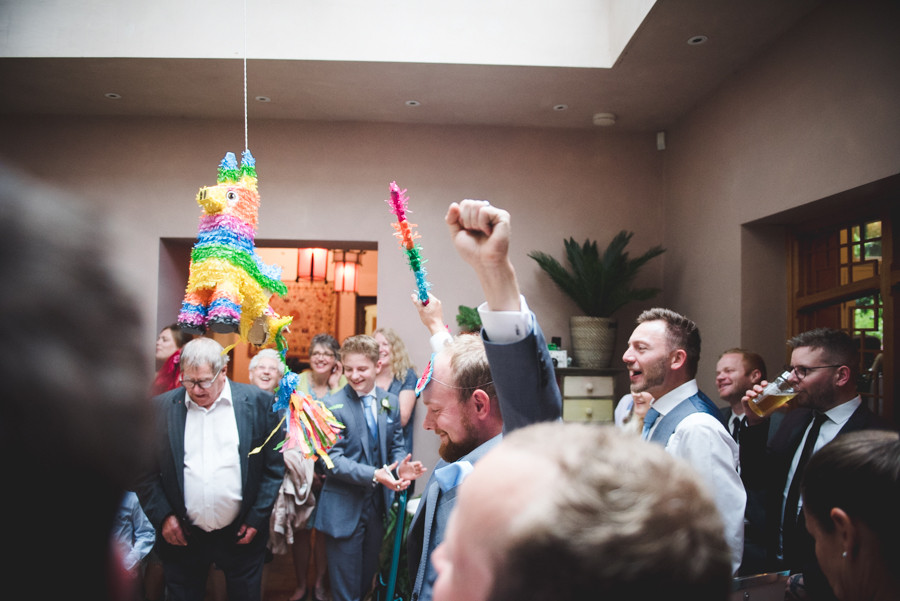 Matara centre wedding with pinata for the guests