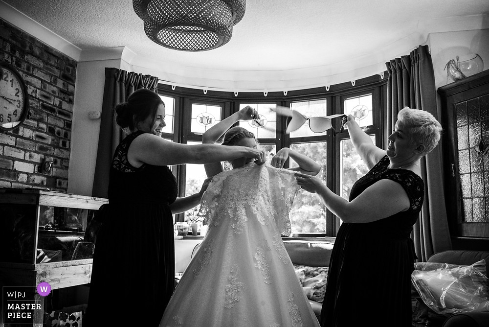 bridal prep moment at Halesowen wedding