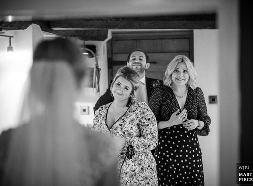 Award Winning Wedding Photography   What's that all about??!