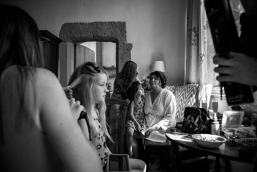 Reportage image in bride getting ready for her derbyshire wedding