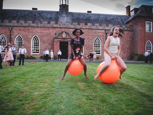 5 Quirky, unusual and brilliant ideas for Wedding entertainment!