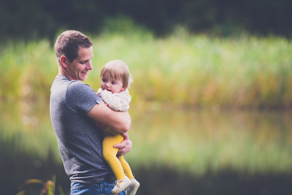 Lifestyle family photoshoot at Baggeridge Country Park