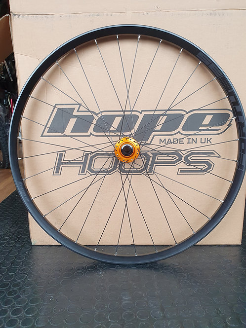 Hope Fortus 35w Pro 4 hub front 29er.