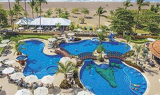 crocs-casino-y-resort-piscina.jpg
