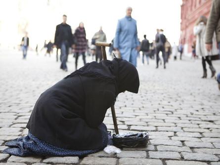 За время пандемии россияне обеднели сильнее всех в мире