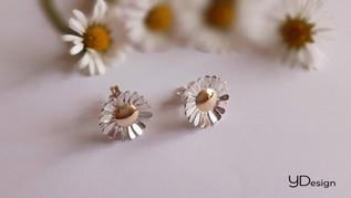 Lovely Daisy oorstekers