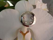 Zilveren hanger met pareltjes