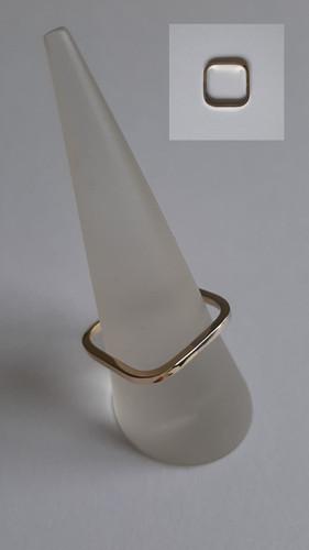 Vierkante ring van 14 karaat goud en witgoud