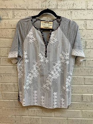 EMBROIDERED KNIT TOP