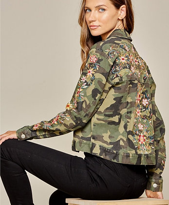 Camo jacket with embroidery