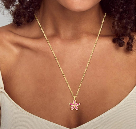 Kendra Scott Kyla Flower Gold Pendant Necklace In Raspberry Mother Of Pearl