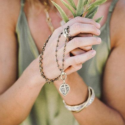 Waxing Poetic Lotus Cross Kristal Pendant