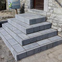 escalier en pierre bleue - Aménagements extérieurs - Dumont Pierre & Fils