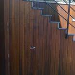 Trap met houten afwerking