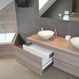 Houten badkamermeubel op maat in eik - Hechtel-Eksel