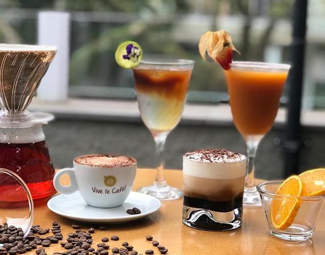 Cafés gelados.