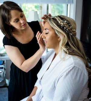 Why Hiring A Professional Makeup Artist Is The Best Decision You Can Make