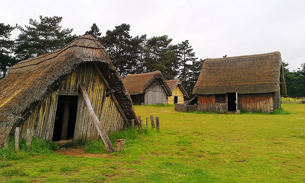 1280px-West_Stow_Anglo-Saxon_village_2