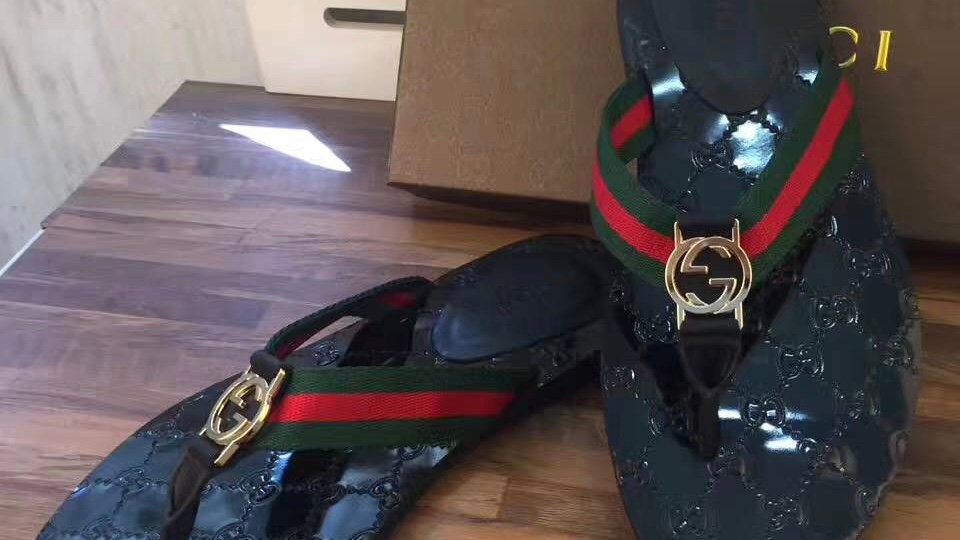 Gucci Tong Flip-Flops