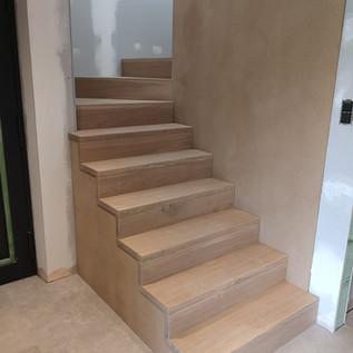 Escalier en chêne huilé