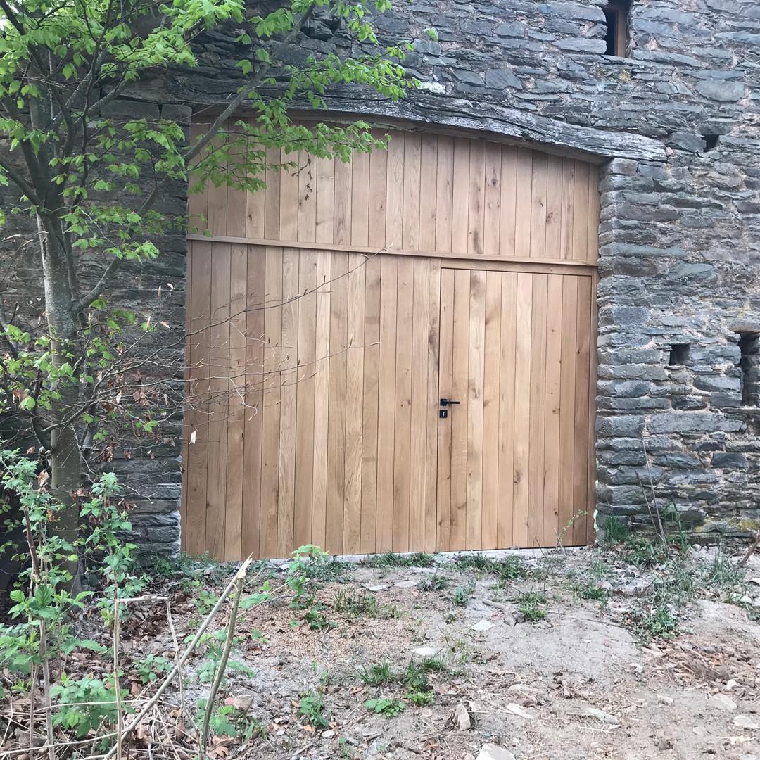 Porte de grange en chêne à Rogery