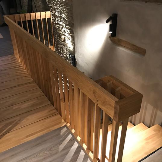 Escalier en lamellé-collé chêne