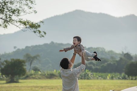 father-son-playing-park-sunset-time-peop