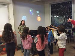 לומדים על מערכת השמש