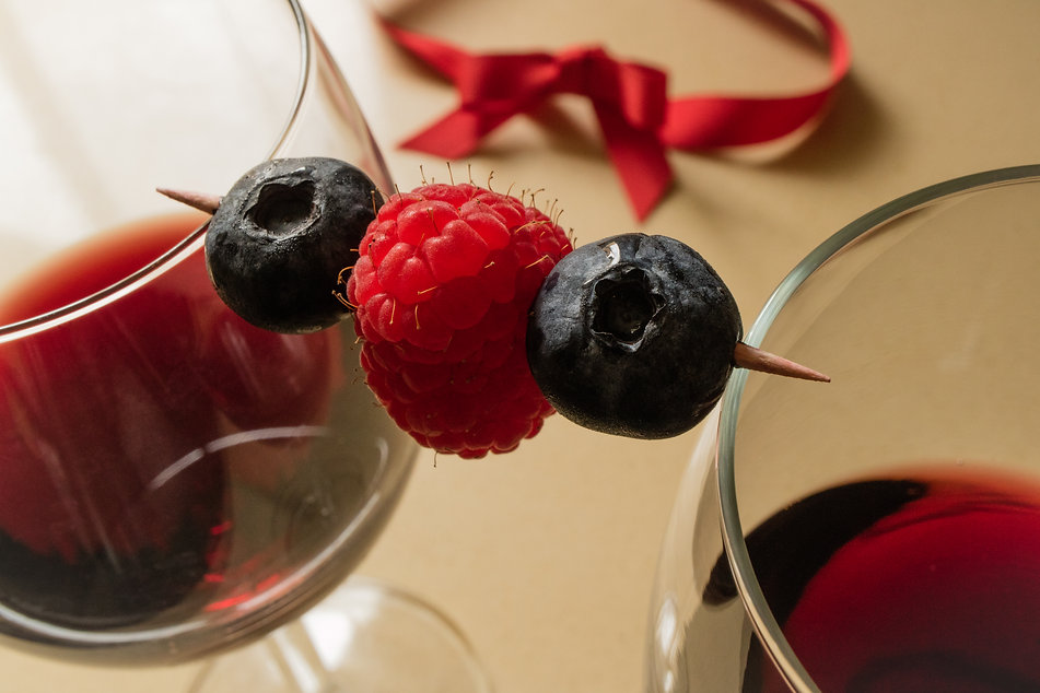 Berries and wine by Hanna Tor