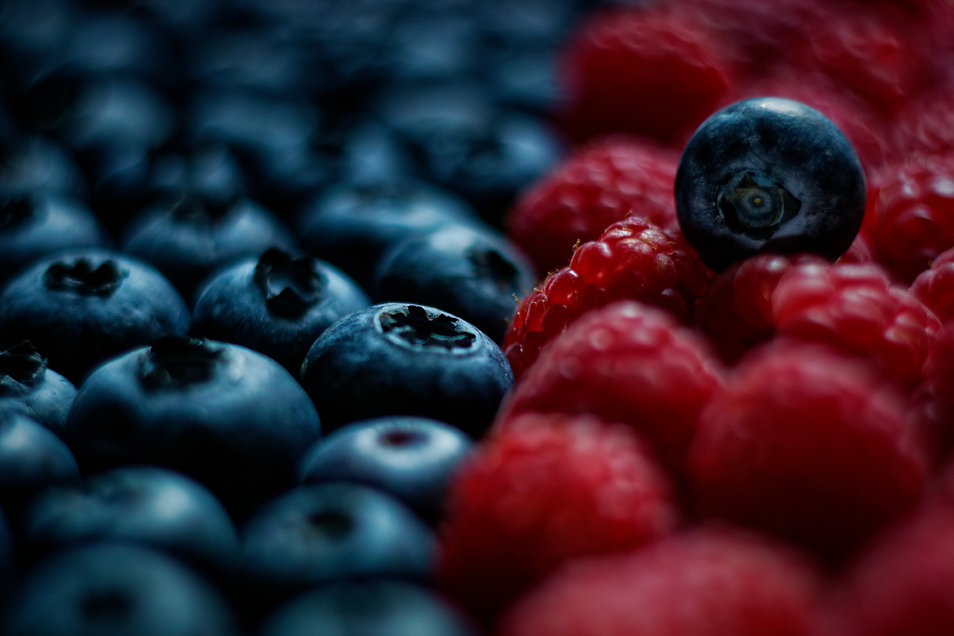 Berries by Hanna Tor