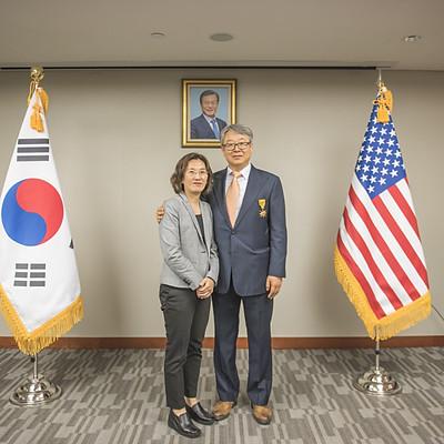 김동찬 대표 훈장 수여식
