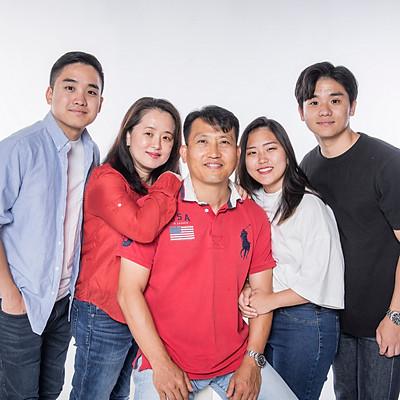 Lee's Family