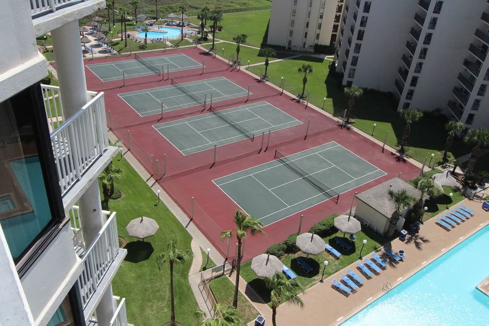 Royale Beach And Tennis Club