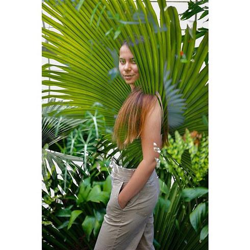 🌴👩🏽 Fan palm leaf double exposure.