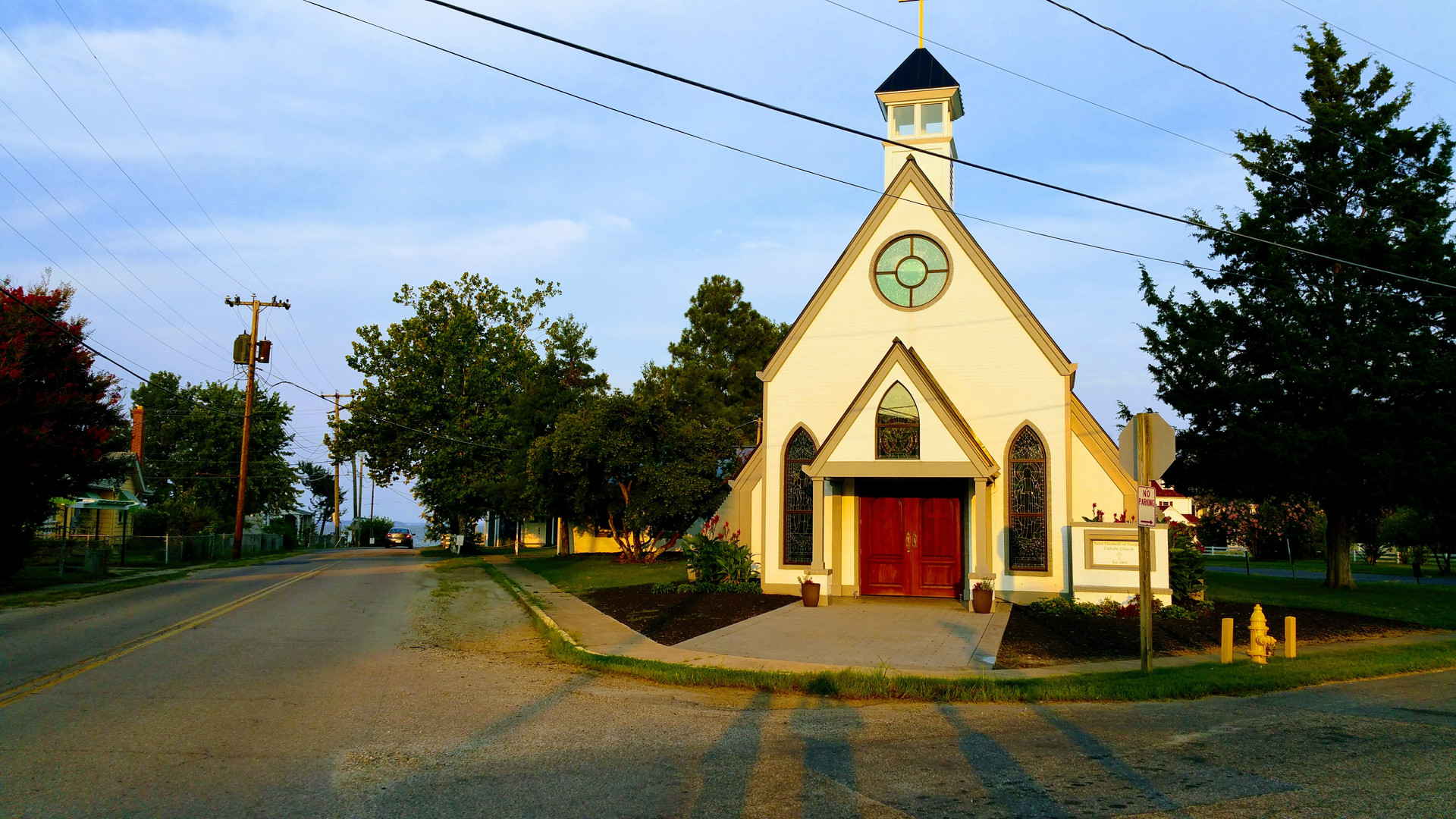 Colonial Beach Plaza Catholic Church.jpg