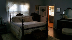Colonial Beach Plaza Lottie Foster Room 8